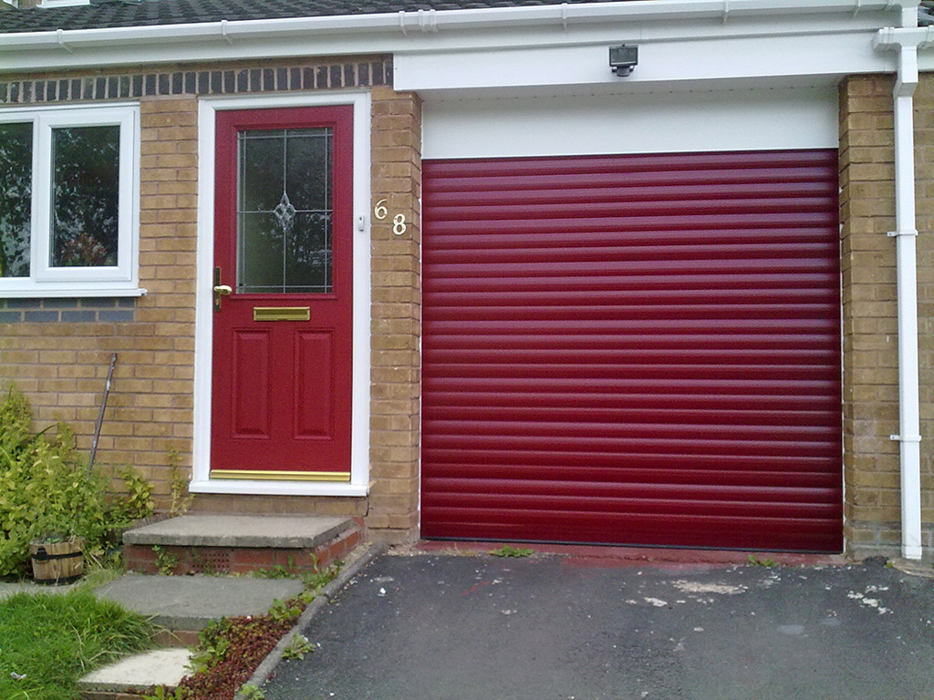 Garage doors halesowen remote control garage doors for Garage doors uk